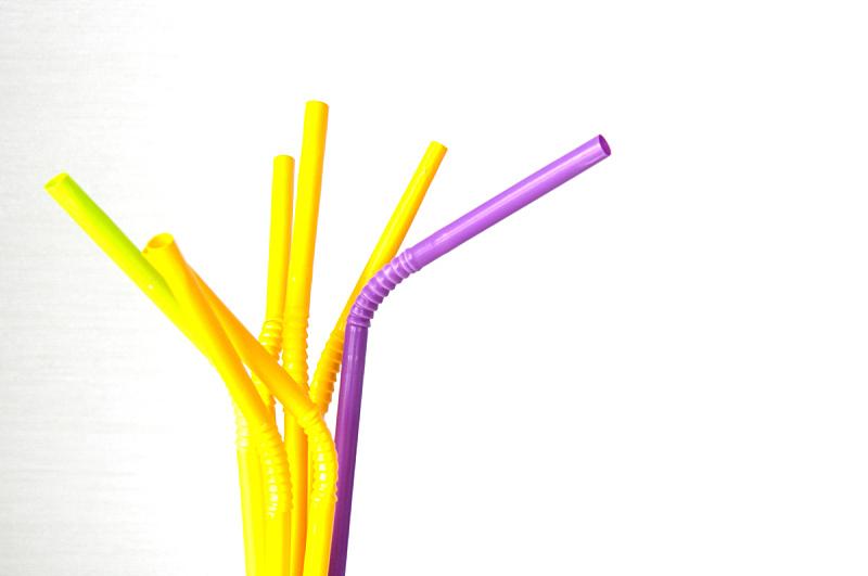 紫色,黄色,一个物体,吸管,大量物体,图像特效,艺术,水平画幅,鸡尾酒,含酒精饮料