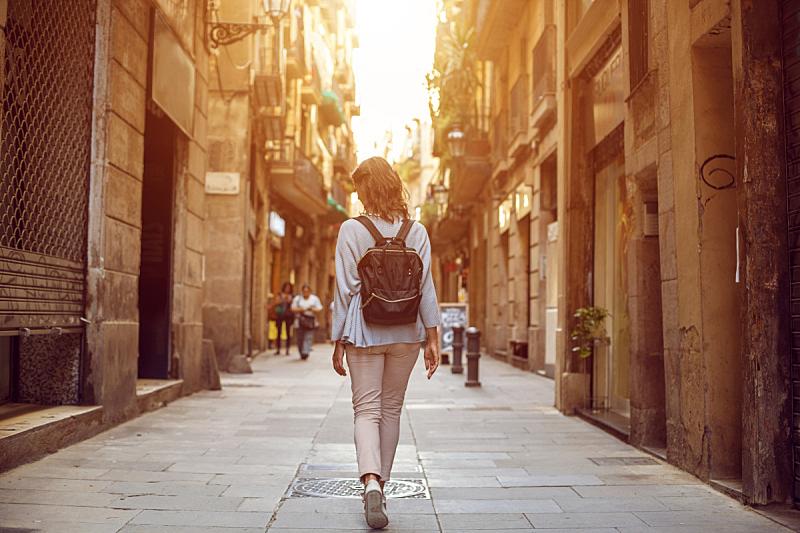 欧洲,市区路,背景,旅游目的地,雌性动物,酒店,水平画幅,旅行者,夏天,户外