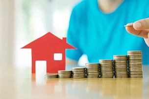 手,成一排,住房问题,储蓄,房地产,贷款,银行,房屋,存钱罐