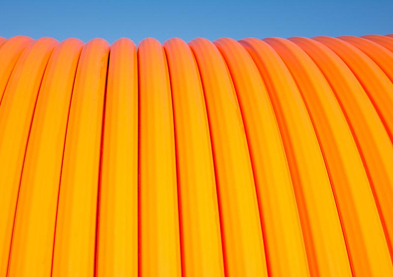 带宽,纤维光学,互联网,电缆,水平画幅,橙色,无人,电缆接头,抽象,建筑材料