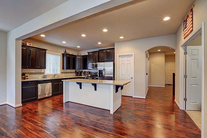 住宅房间,室内,厨房,清新,窗户,水平画幅,吧椅,建筑,无人,豪宅