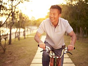 男人,骑自行车,户外,亚洲人,亚洲,30到39岁,40到49岁,活力,自行车,仅男人