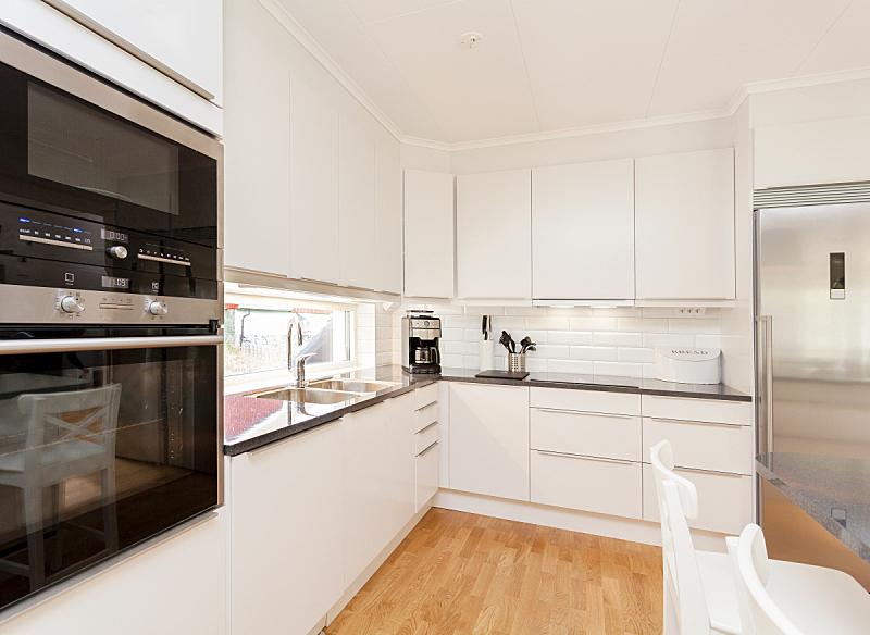 室内,厨房,极简构图,斯堪的纳维亚人,厨房水槽,白色,高雅,冰箱,华贵,图像