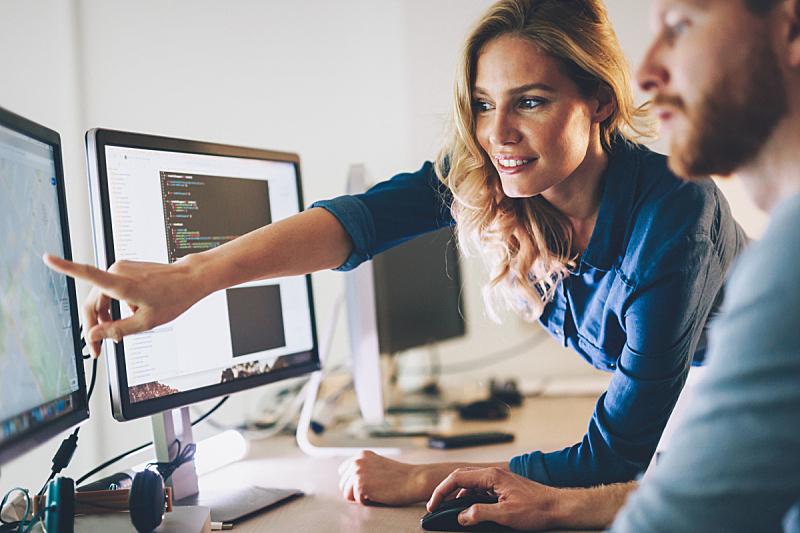 计算机软件,计算机语言,做计划,新创企业,工程师,办公室,脑风暴,水平画幅,男性,想法