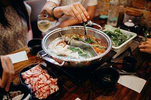 筷子,膳食,手,食品,波特派,日式火锅菜,四川菜,奶酪火锅,香菇,法式食品