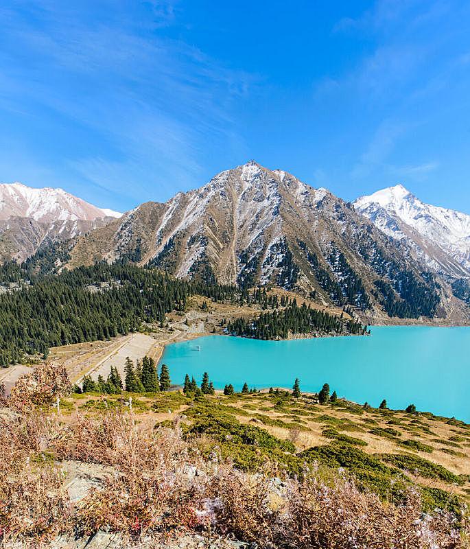 阿拉木图,巨大的,湖,垂直画幅,水,雪,旅行者,水库,户外,攀登