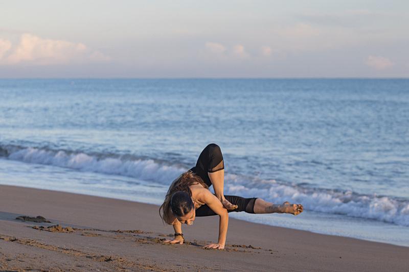 海滩,瑜伽,天空,灵性,沙子,健康,仅成年人,运动,彩色图片