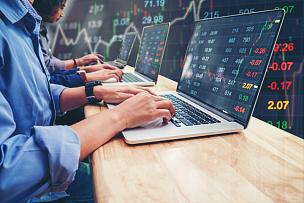 商务,图表,汇率,商人,数据,使用手提电脑,商务人士,体育团队,股票行情,投资