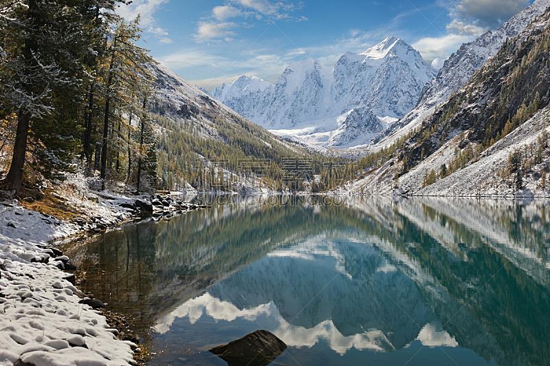 俄罗斯,西伯利亚,阿尔泰山脉,水,天空,雪,早晨,光,湖,白色