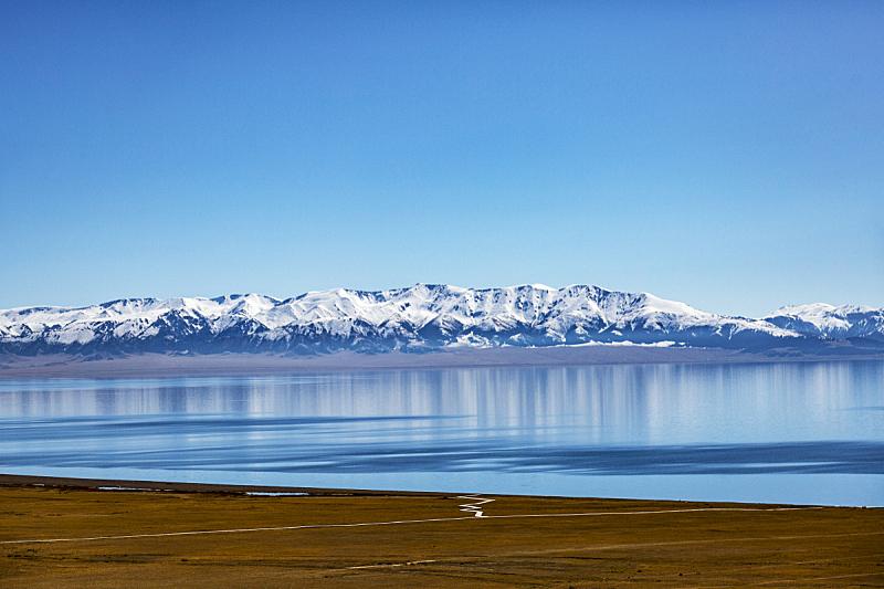 赛里木湖风景区,航拍视角,淡水,纯净,环境保护,水面,自然美,中国,湖,波浪