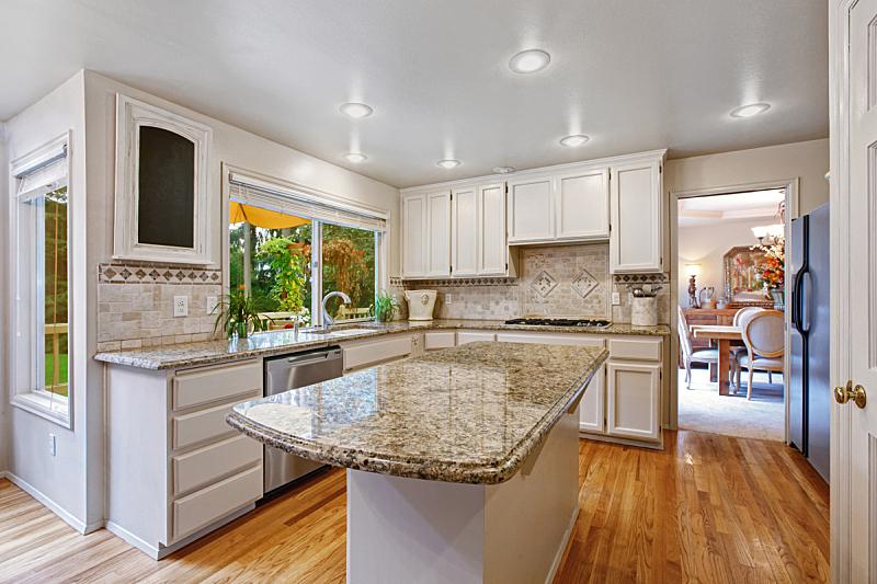 住宅房间,岛,白色,器材箱,厨房,窗户,水平画幅,建筑,无人,天花板