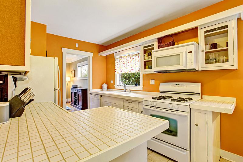 住宅房间,室内,厨房,白色,柜子,砖地,简单,冰箱,窗户,水平画幅