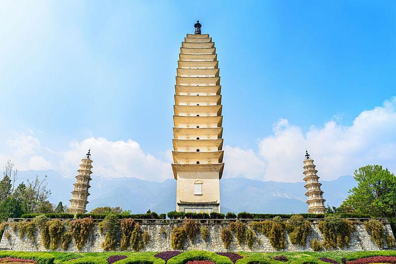 崇圣寺三塔,宝塔,三个物体,大理,对称,亭台楼阁,国内著名景点,高大的,平衡,宏伟