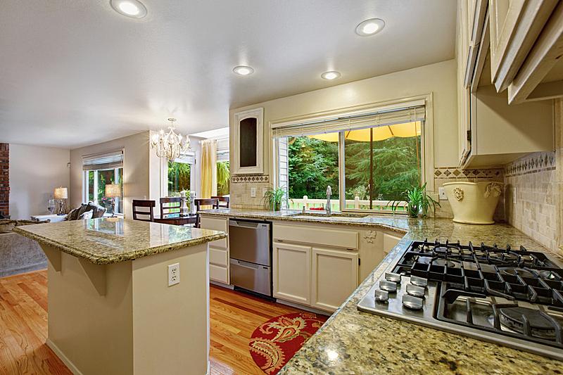 住宅房间,岛,厨房,白色,器材箱,窗户,水平画幅,建筑,无人,天花板