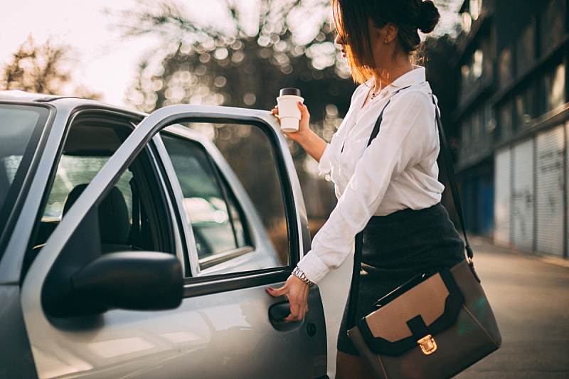早晨,咖啡,汽车,女商人,通勤者,路,高峰时间,饮料,在活动中,旅途