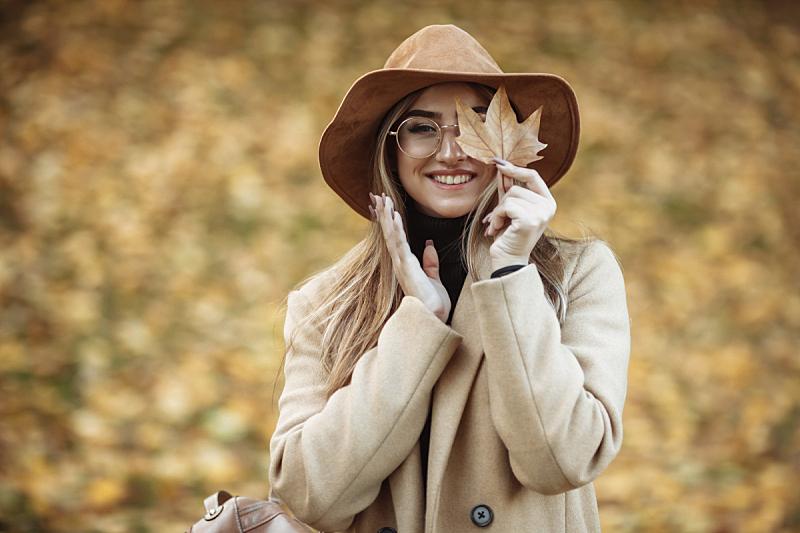 图像,叶子,秋天,女人,帽子,青年人,外套,毛毡制品,落下