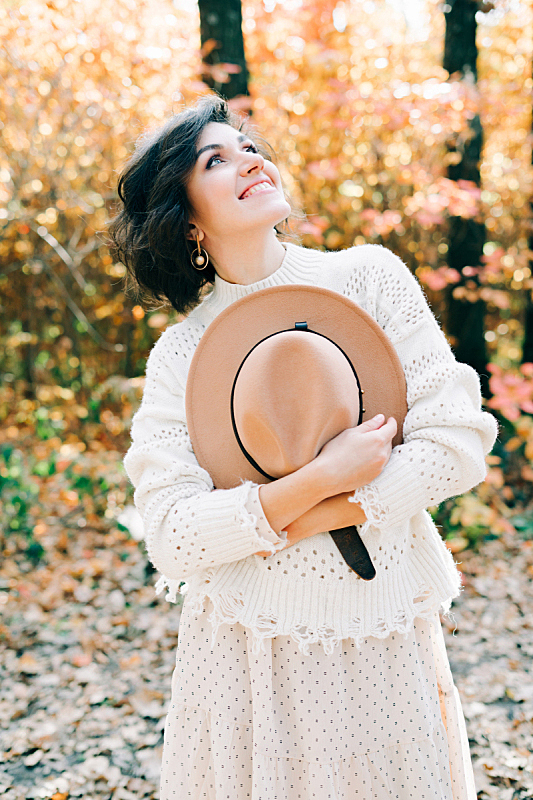 森林,秋天,女孩,注视镜头,白色长裙,自然美,帽子,投射,日落,调情